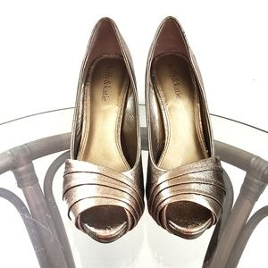 Kelly & Katie Heels Peep Toe Pumps Metallic Gold